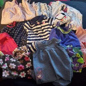 Carters baby girl clothes size 9 months (18 pcs)